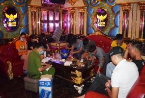 Phát hiện 11 đối tượng phê ma túy trong quán karaoke giữa mùa dịch tại Hiệp Đức