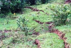 Bắc Trà My- Xã Trà Giáp xuất hiện nhiều vết nứt núi có nguy cơ sạt lở
