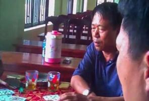 Bí thư phường đánh bài bị rút khỏi danh sách ứng cử đại biểu HĐND