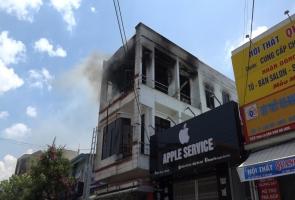 THĂNG BÌNH- Cháy lớn tầng 3 ngôi nhà kinh doanh xe máy, xe đạp điện