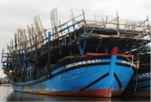 Tàu câu mực Quảng Nam bốc cháy, 33 thuyền viên may mắn thoát nạn
