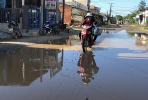 NÚI THÀNH- Người dân khổ sở vì đường xuống cấp nghiêm trọng