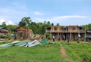 Nam Giang: Dông lốc làm tốc mái 9 nhà dân