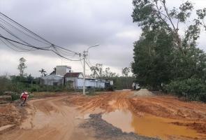 Núi Thành- Đường về vùng tây hư hại nặng