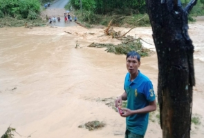 Tây Giang- Xót cảnh chiến sỹ biên phòng mất nhà sau lũ ống