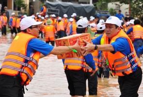 Hỗ trợ mỗi tỉnh miền Trung gặp lũ 100 tỷ đồng để lo cho người dân