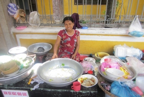 Gánh mỳ cô Bảy phố Hội