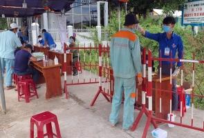 Trong ngày 18/7, người lao động có hộ khẩu thường trú Quảng Nam đang làm việc tại Đà Nẵng trở về nhà không bị cách ly y tế