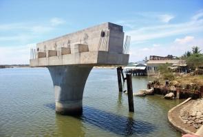 Núi Thành- Hơn 3 năm chưa xây xong một cây cầu